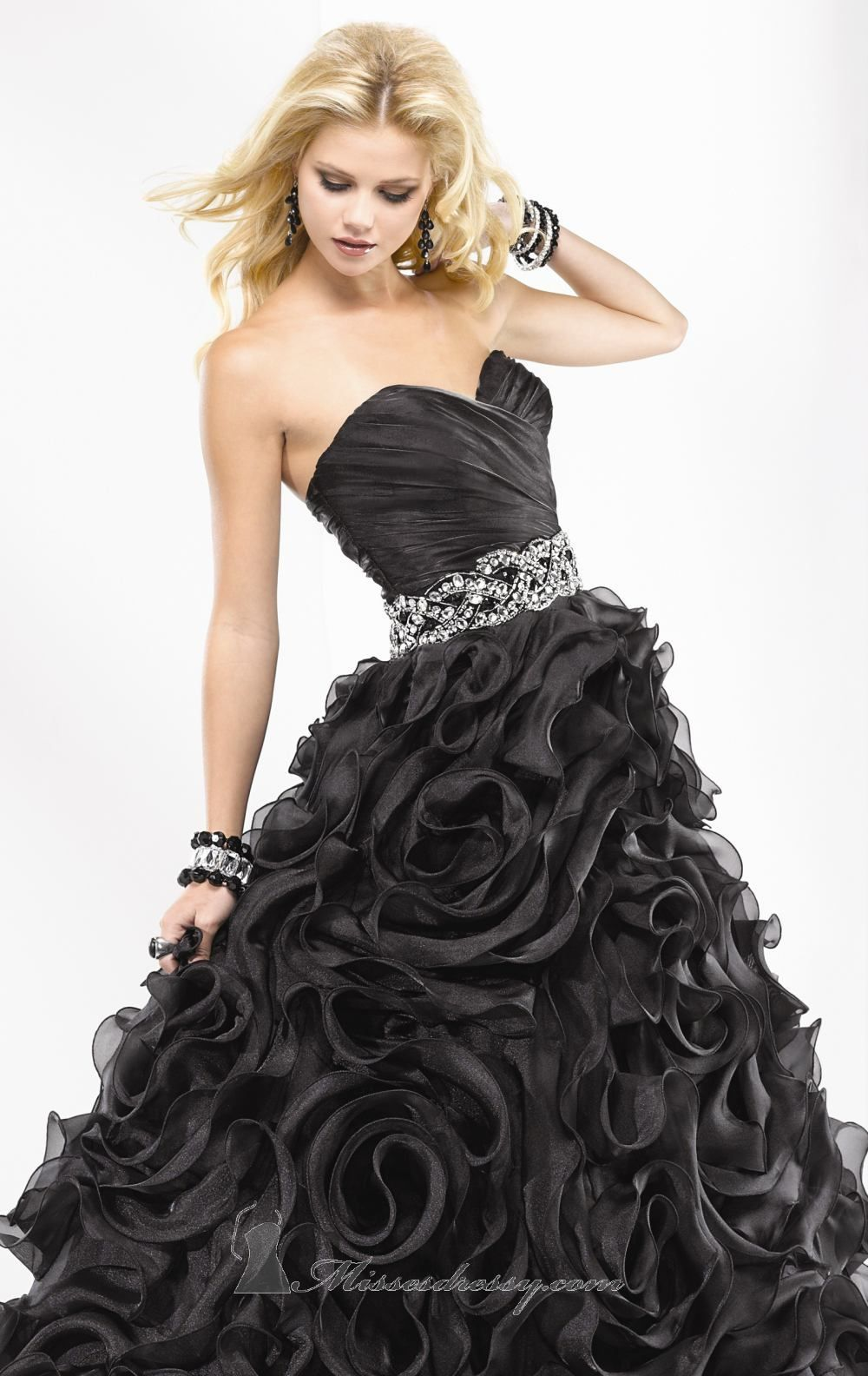 This dress in now in stock in pink and white beautiful prom dress