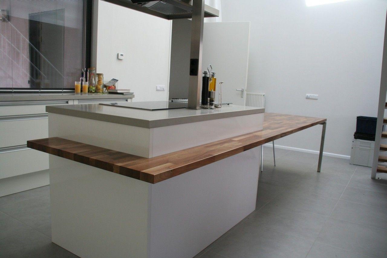 Eettafel aan kookeiland loungeset 2017 - Keuken platform ...