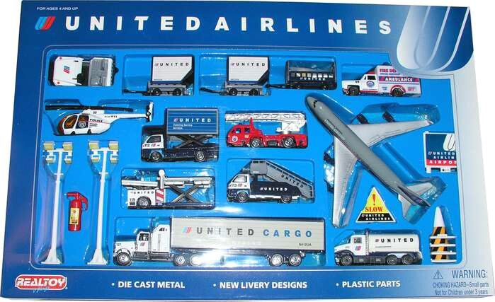 Daron United Airlines 24 Piece Playset RT6262