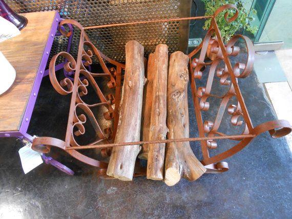 Leñera de fina herrería forjada a mano oxidado por MaderaYHierro