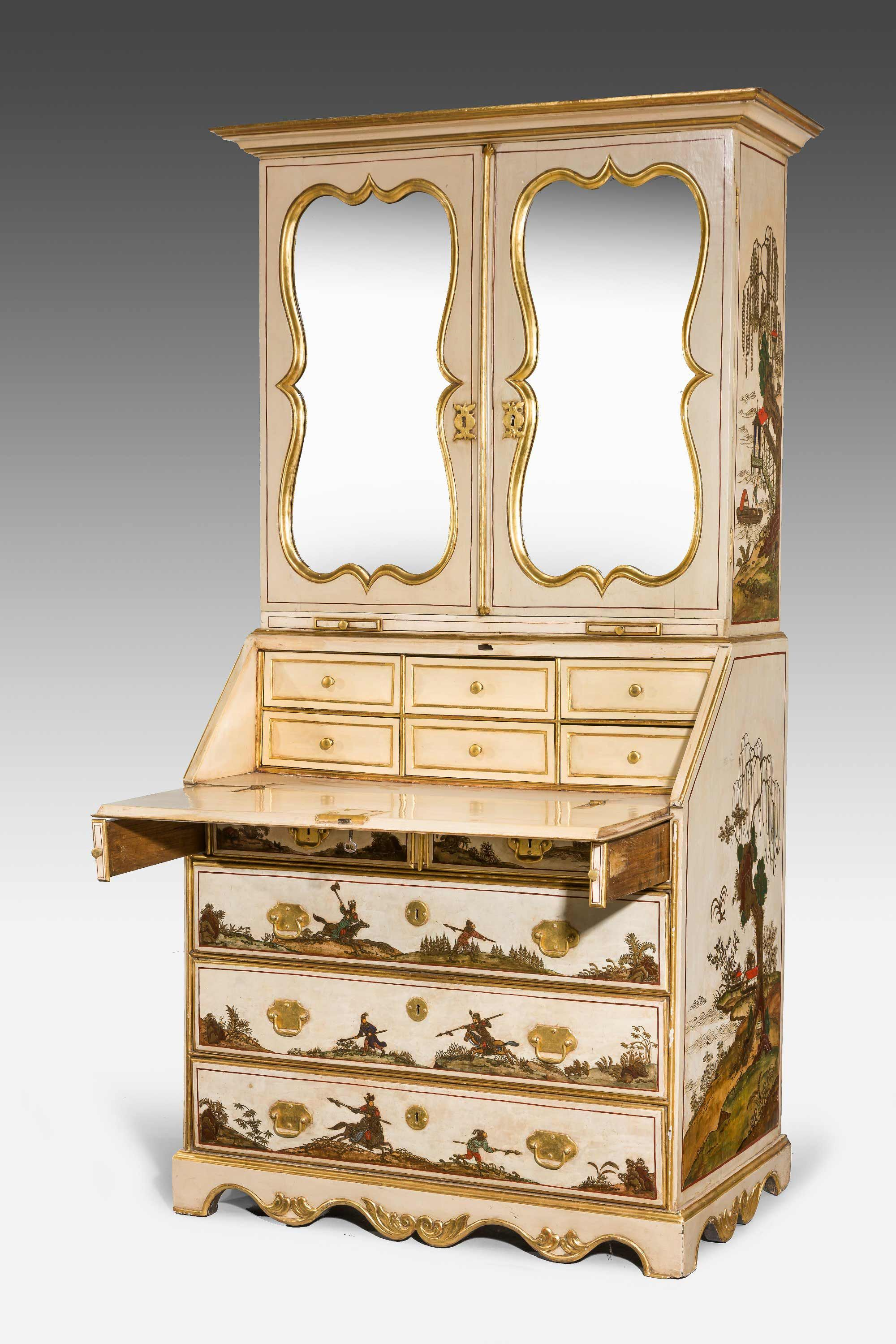 Early 18th Century German Chinoiserie Lacquered Bureau