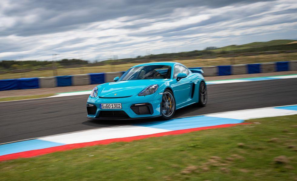 2021 Porsche 718 Cayman GT4, Spyder Get PDK DualClutch