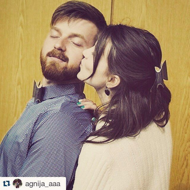 Wooden bow ties and wooden hair barrettes for couples! #bugbowtie #bug_accessories #bugwoodenaccessories #woodenaccessories #woodenbowtie #woodenbowties #gentlman #woodenaccessories #wooden #gentlmanaccessories #mensfashion #menstyle #woodenjewellery #necktie #woodworks #woodworking #woodworkers #woodcraft #menwithstyle #mensdesign #designformen #menaccessories #mensaccessories #forcouples #kokataurini #kokataurins