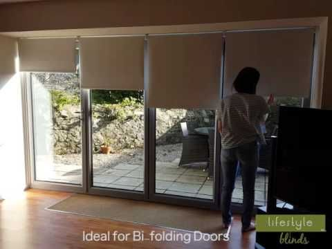 Video showing how easy our spring action cordless roller blinds are ...