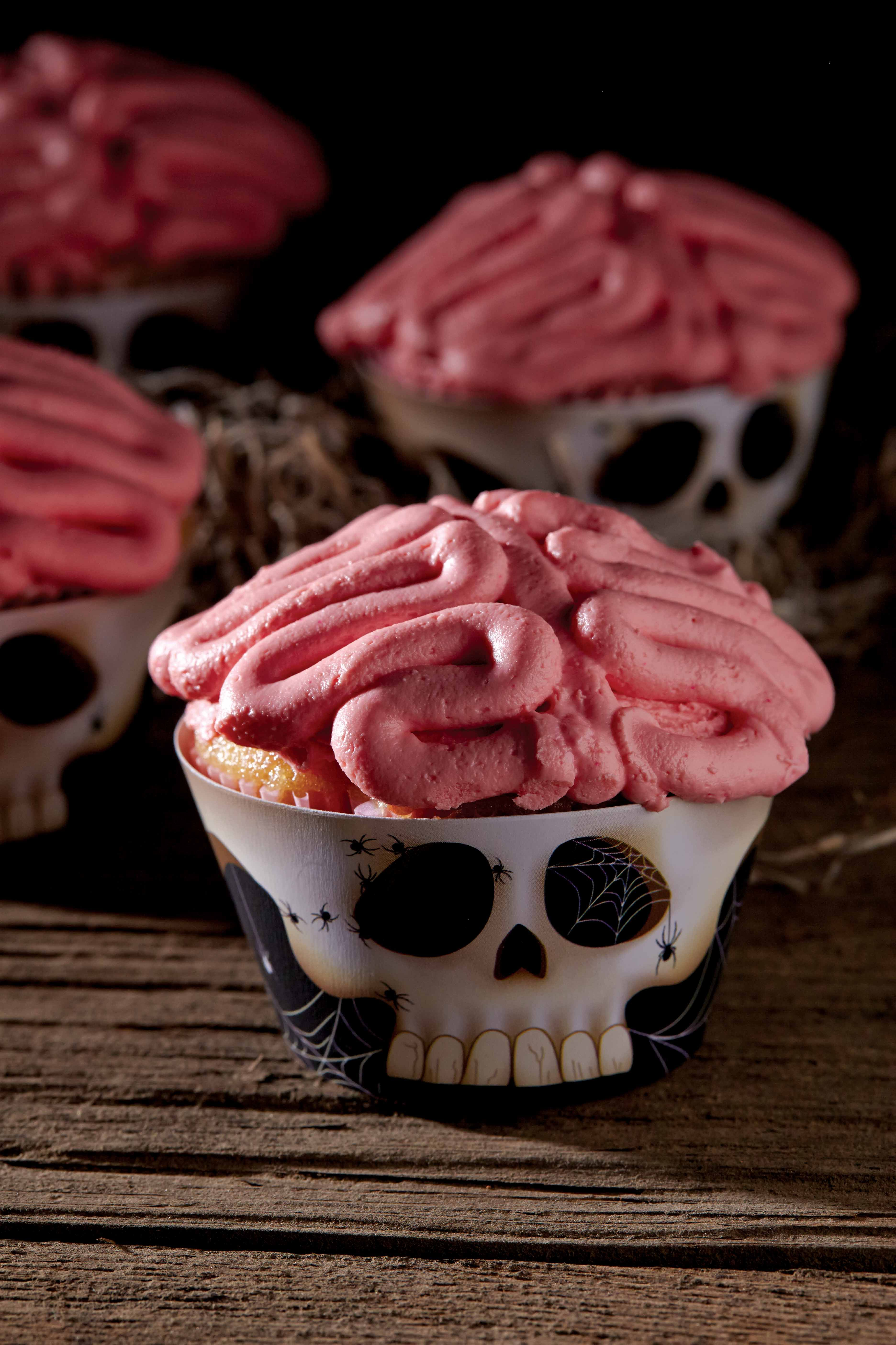Enter Our Haunting Halloween Shop Featuring Jo Cupcake Brains Kit Box At Cost Plus World Market Worldmark Cupcakes Halloween Rezepte Halloween Lebensmittel
