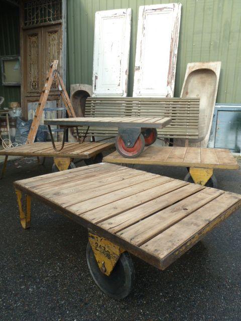 Industriele Wielen Oud.Oude Industriele Vintage Salontafel Met Wielen Www Burbri Nl