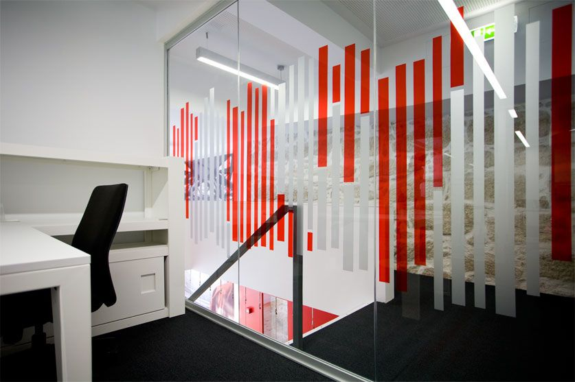 Hilti headquarters metroquadrado films glass and for Office window ideas