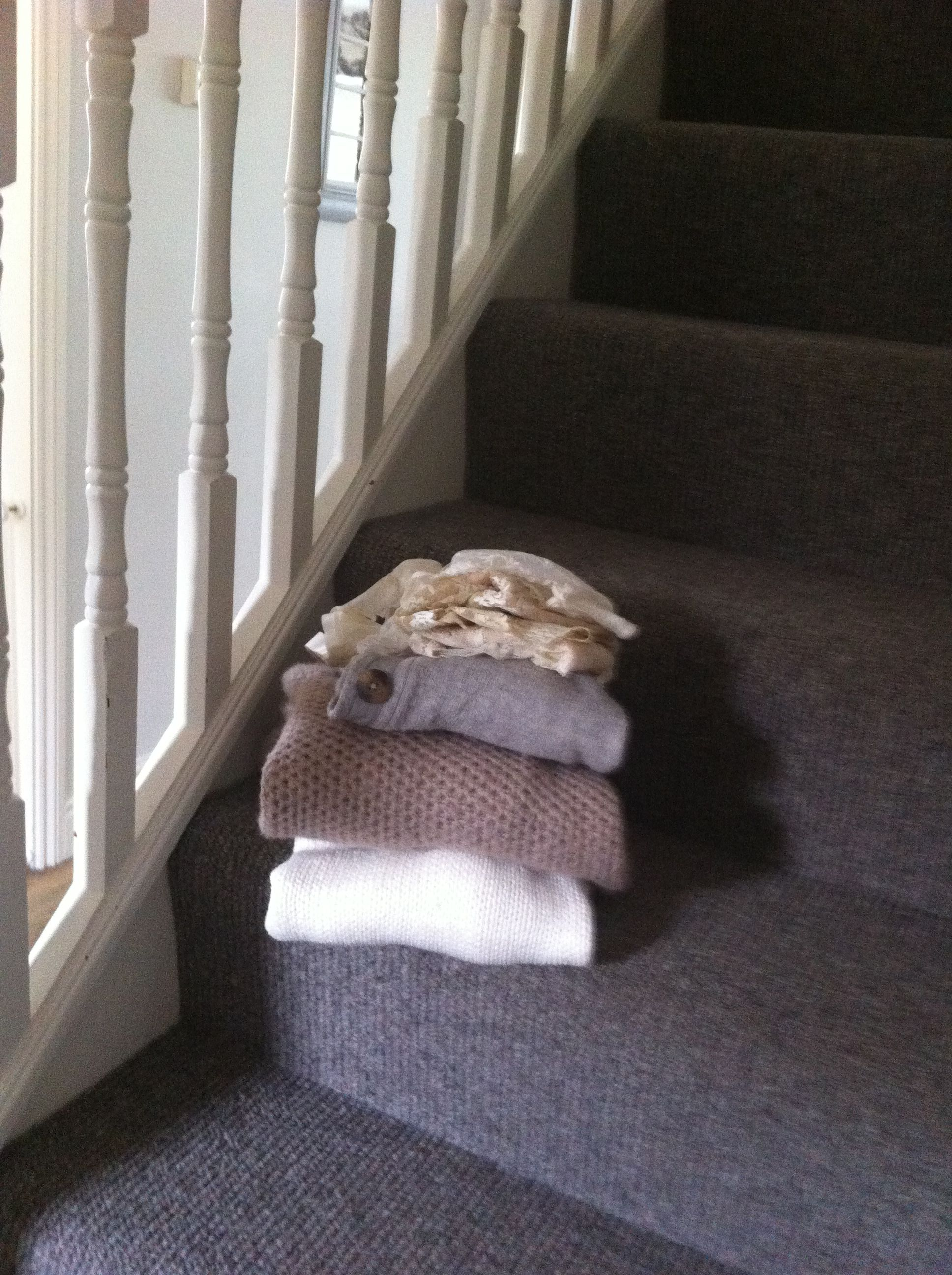 Best Washing On Charcoal Grey Stair Carpet Textured Carpet 640 x 480