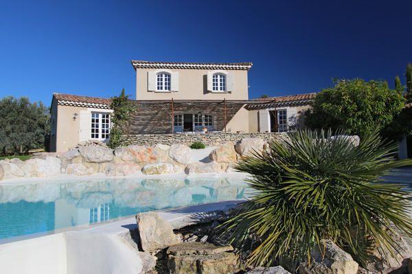 Belle villa avec piscine à débordement et grand pool-house, vue - location saisonniere avec piscine privee