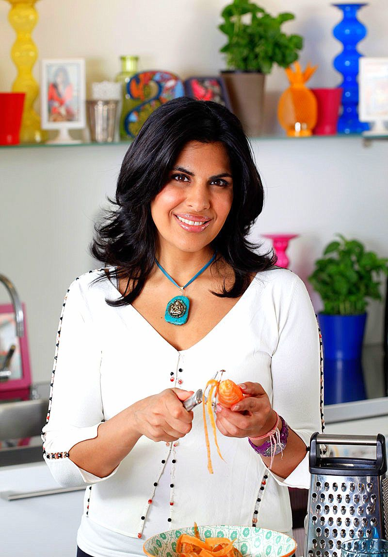 British indian food writer and tv chef of indian cuisine anjum british indian food writer and tv chef of indian cuisine anjum anand forumfinder Choice Image
