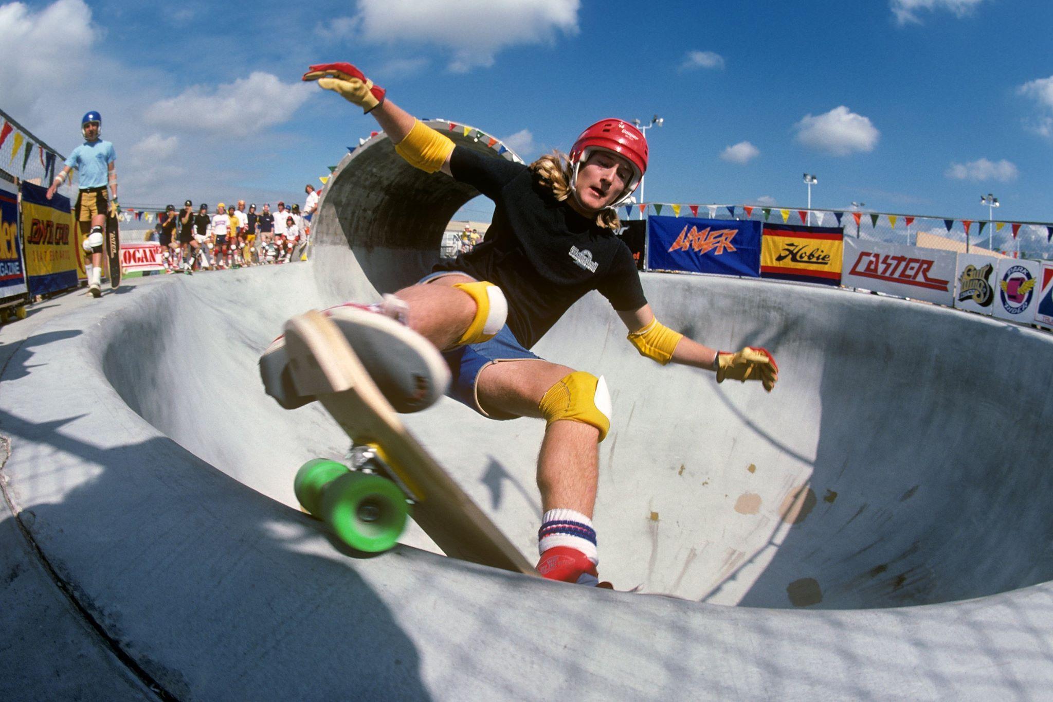 Stacy Peralta 1978 Photo Jim Goodrich #Kryptonics #skate #skateboards #70s #pools #longboarding #skateboarding #skateboarder #skateboard
