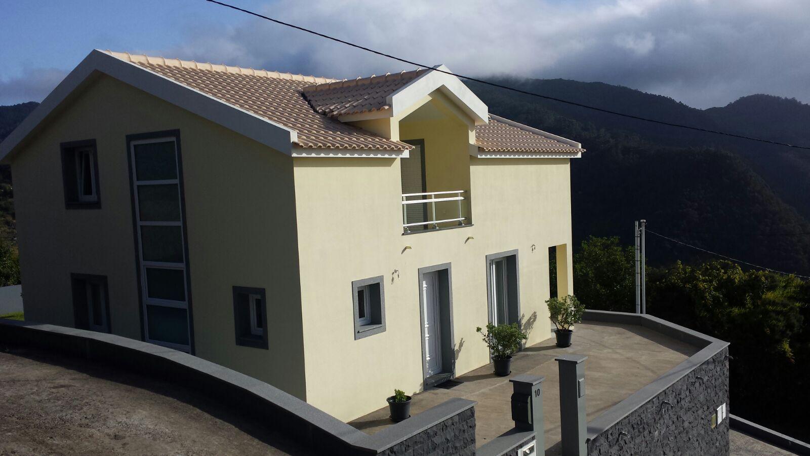 Machico Funchal Fantastica Moradia T4 praticamente Nova
