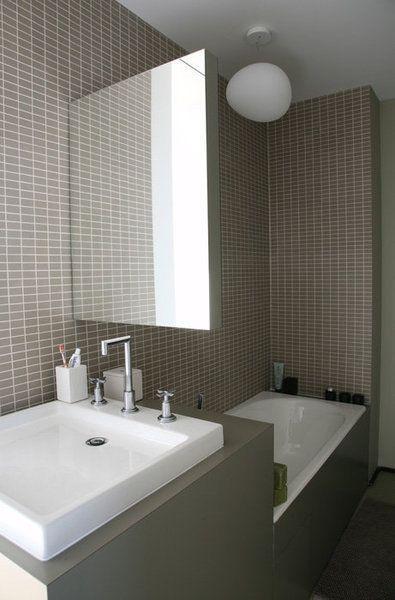 Gain De Place Petite Salle De Bain Sur Pinterest Bath - Amenagement salle de bain en longueur