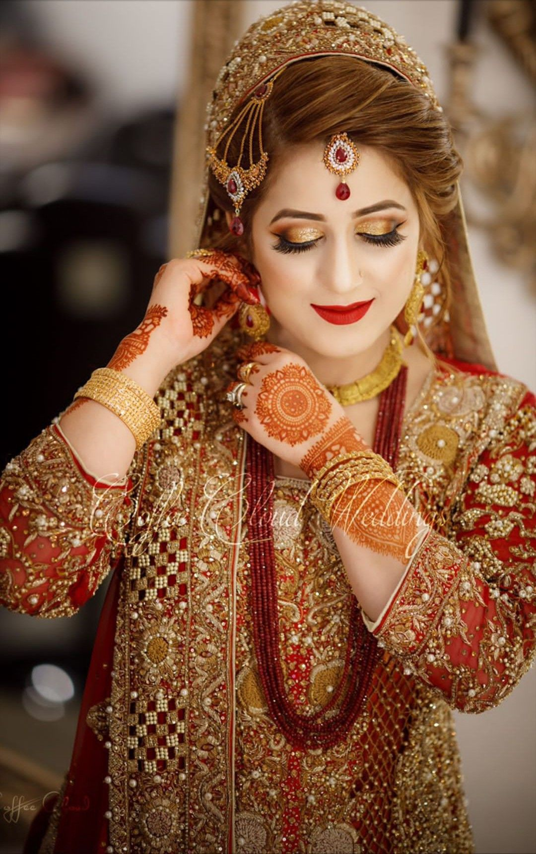 Pin By Mar U J On Bridal S Indian Bridal Photos Pakistani Bridal Makeup Bride Photoshoot