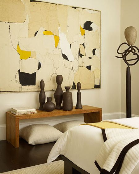 Beautiful creams create a warm atmosphere in the bedroom ...