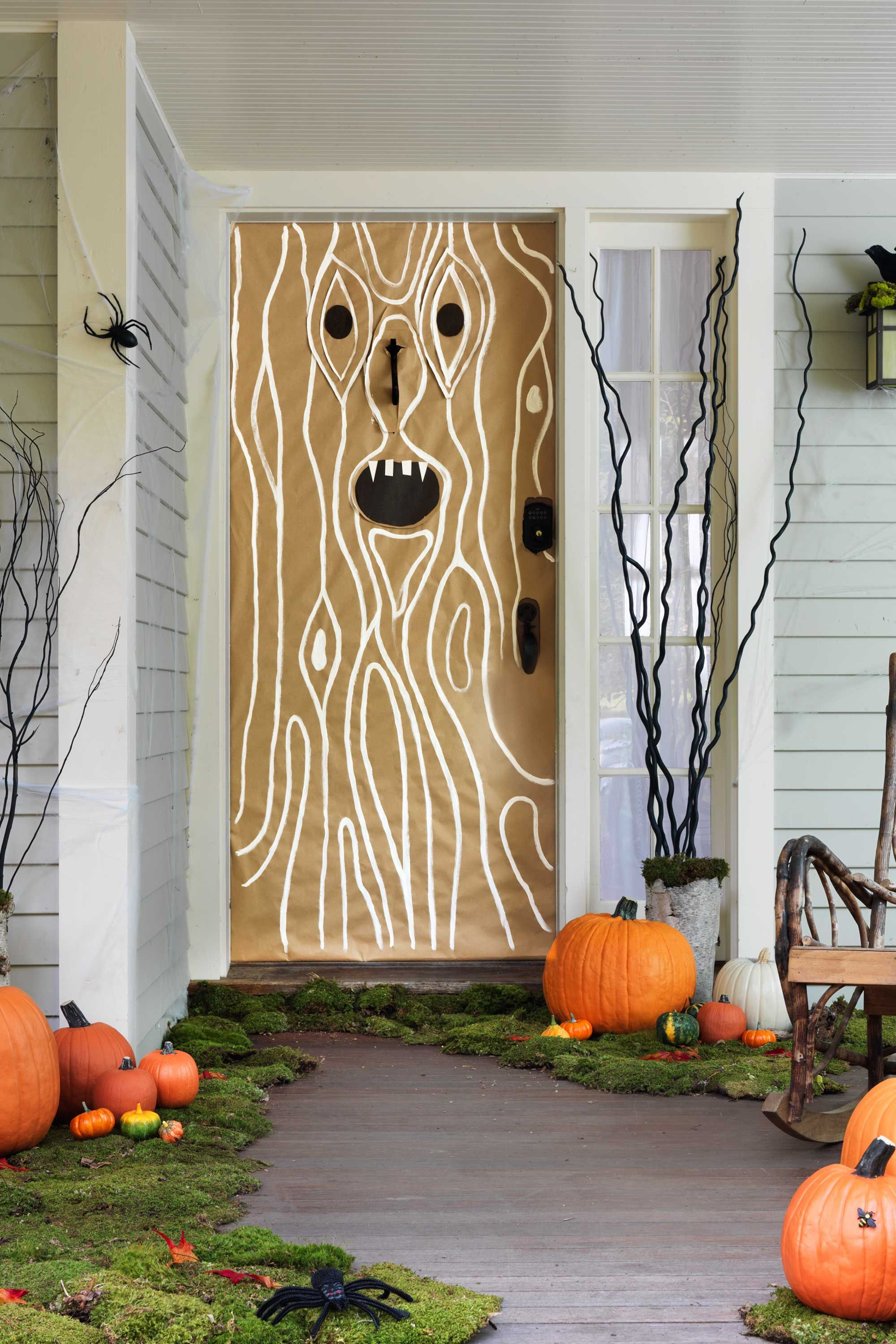 30+ Spooktacular Outdoor Halloween Decorations Haunted woods - Front Door Halloween Decorations