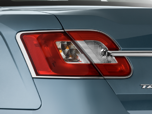 I Like The Looks Of The New Taurus But Think It S Really Overpriced 2012 Ford Taurus Taurus Tail Light