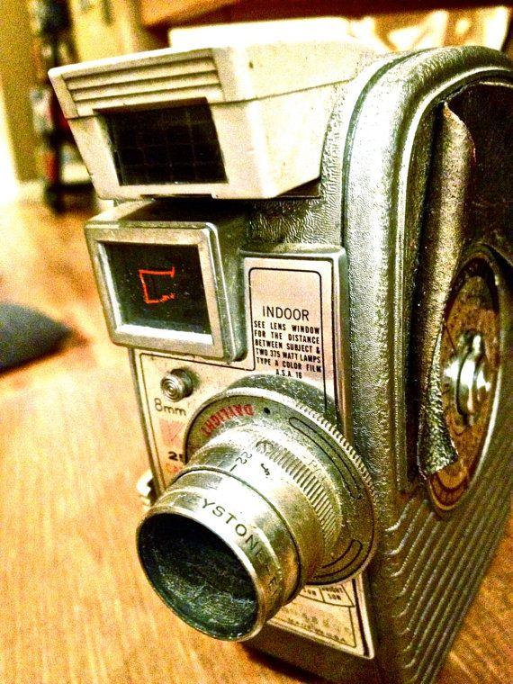 Keystone K-25 Capri 8mm Movie Camera   film-video cameras