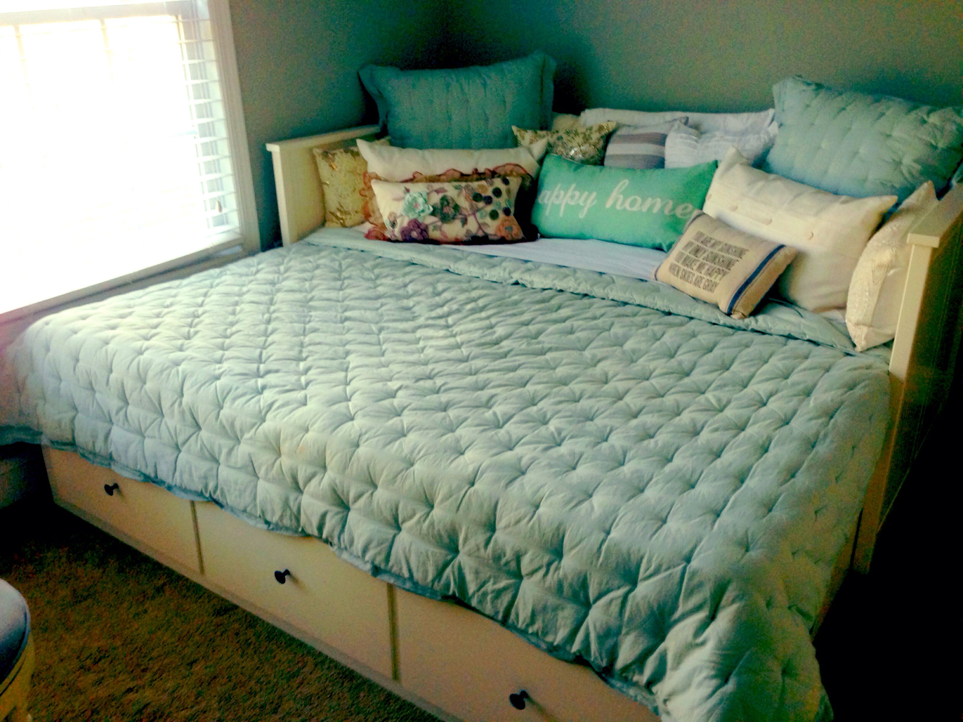 Daybed with pop up trundle ikea pull out hemnes daybed ikea oak creek commons  sofas  pinterest