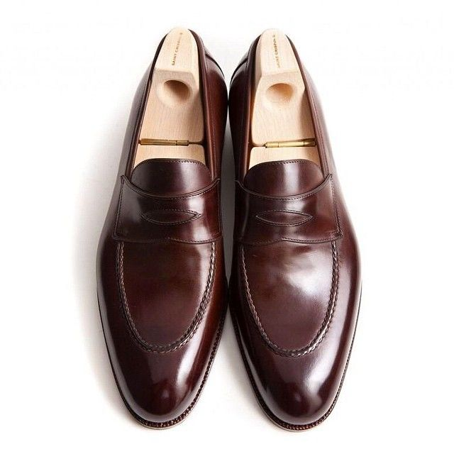 leffot:  Our new Saint Crispin's penny loafer is now available. Stop by and check it out at our trunk show Nov. 3 & 4 with Phillip Carr.