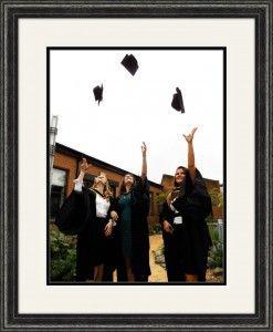 graduation pic throwing cap