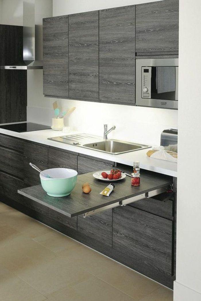 cocina-blanca-y-gris-mesa-plegable-cocina-pequeña-microonda ...