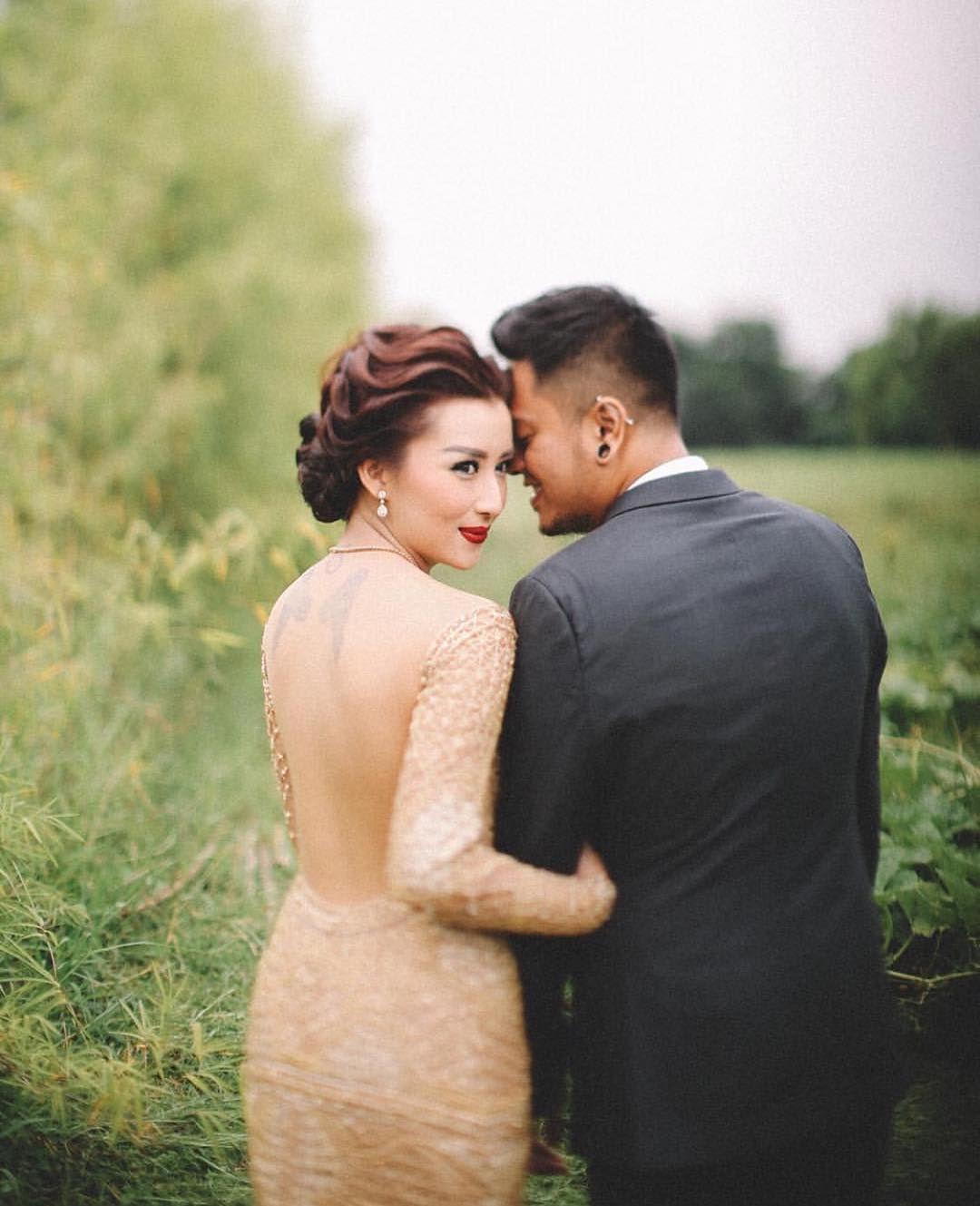 It's you, it's always been you... Beautiful Bride: @malvala  Handsome Groom: @anggabooth Photographers: @evansirawan @pyaraphoto Make up & Hair: @donnyliem Wedding Dress: @fififirianty  #danielalicewedding#beautifulvows#baliwedding#balievent#baliphotographer#balimua#weddingdreams#beautifulwedding#bridaldreams#bridalinspiration#asianwedding#pyaraphoto#mua#balibible#beautifulbali#weddingdreams#bridalinspiration#weddinginspiration#weddingdress#goldweddingdress#wedmegood#bridaldreams