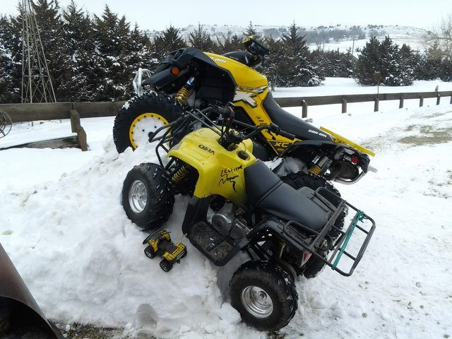 Can Am Renegade 1000 X In Background Lee S Atvs Atv Quads Atv Can Am