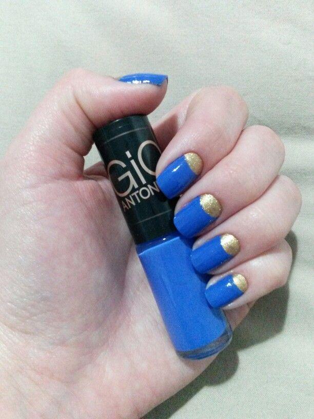 #giovanaantonelli #azulgioantonelli #frionabarriga #azul # unhas #nails