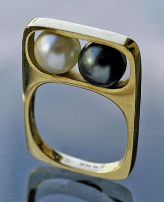 Dinh Van for Pierre Cardin famous pearl & Gold ring