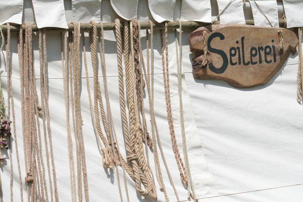 Seilerei: mittelalterliche Herstellung von Seilen aus Hanf und Jute ...