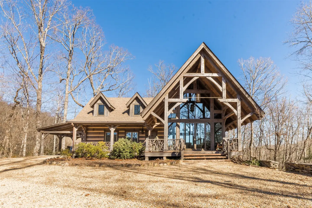 Luxurious Custom Mountain Cabin nestled in the Blue Ridge
