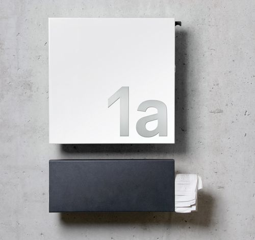 Cool Square Briefkasten plus Zeitungsrolle und Hausnummern zum Aufkleben von Serafini