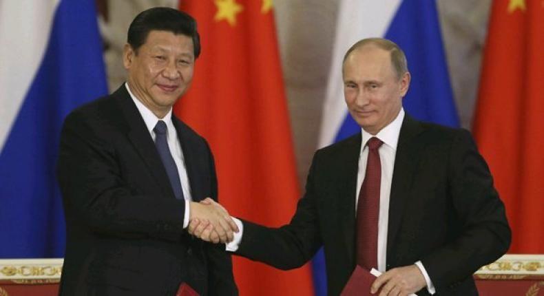 """Rusia dan China Tingkatkan Kerjasama Militer untuk Berantas Terorisme  KONFRONTASI-Rusia dan China meningkatkan kerjasama dalam bidang militer yang akan fokus pada upaya mengatasi tantangan modern salah satunya adalah terorisme.  Kesepakatan itu dicapai saat Shoigu melakukan pertemuan dengan Wakil Ketua Komisi Militer Pusat China Jenderal Xu Qiliang di Beijing. Soighu berharap kerjasama ini akan berdampak pada stabilitas global.  """"Kerjasama antara Moskow dan Beijing di bidang militer dan…"""