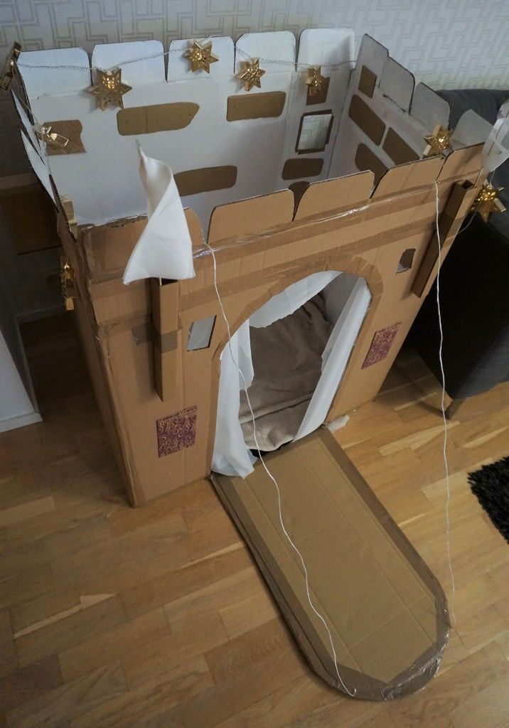Cradboard Box Castle