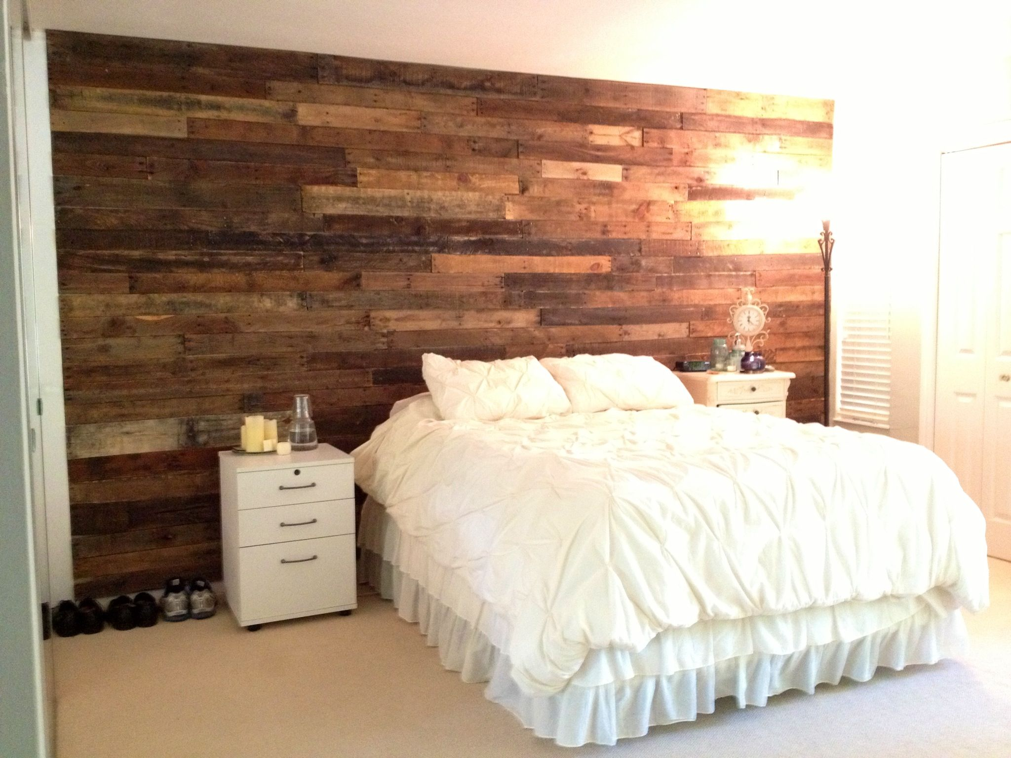 the pallet wall in our master bedroom we made it with