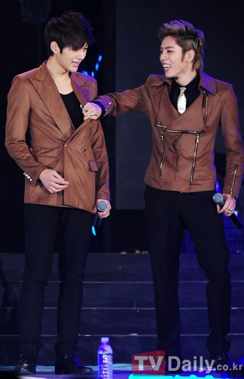 120311 K-collection in Seoul - myungsoo and dongwoo ! cr: TV Daily