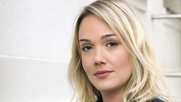 """Die Neue im neuen: Alwara Höfels spielt die Kommissarin Henni Sieland im """"Tatort"""" aus Dresden."""