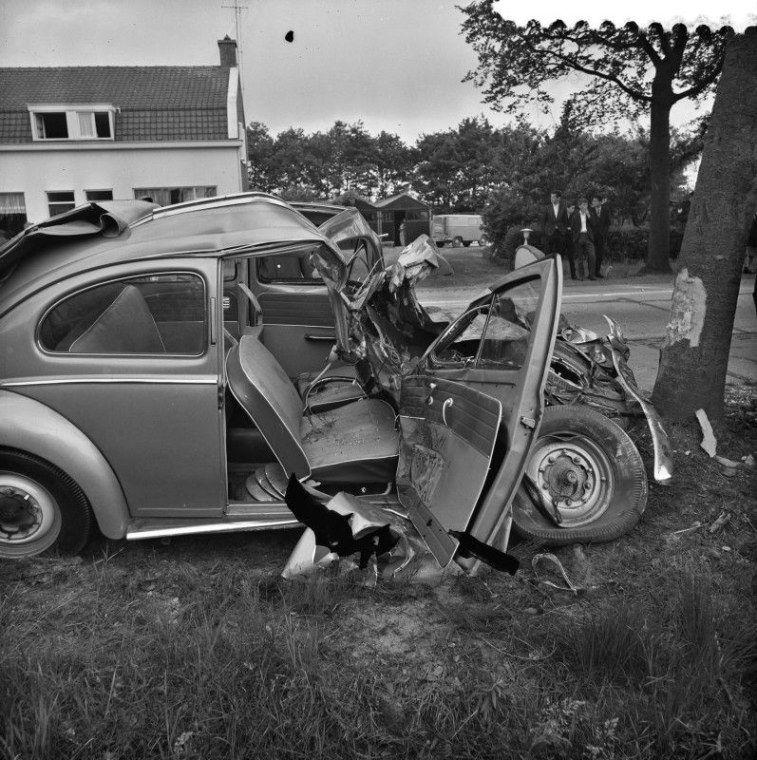 Car repair and damage Car pictures, Auto repair, Car