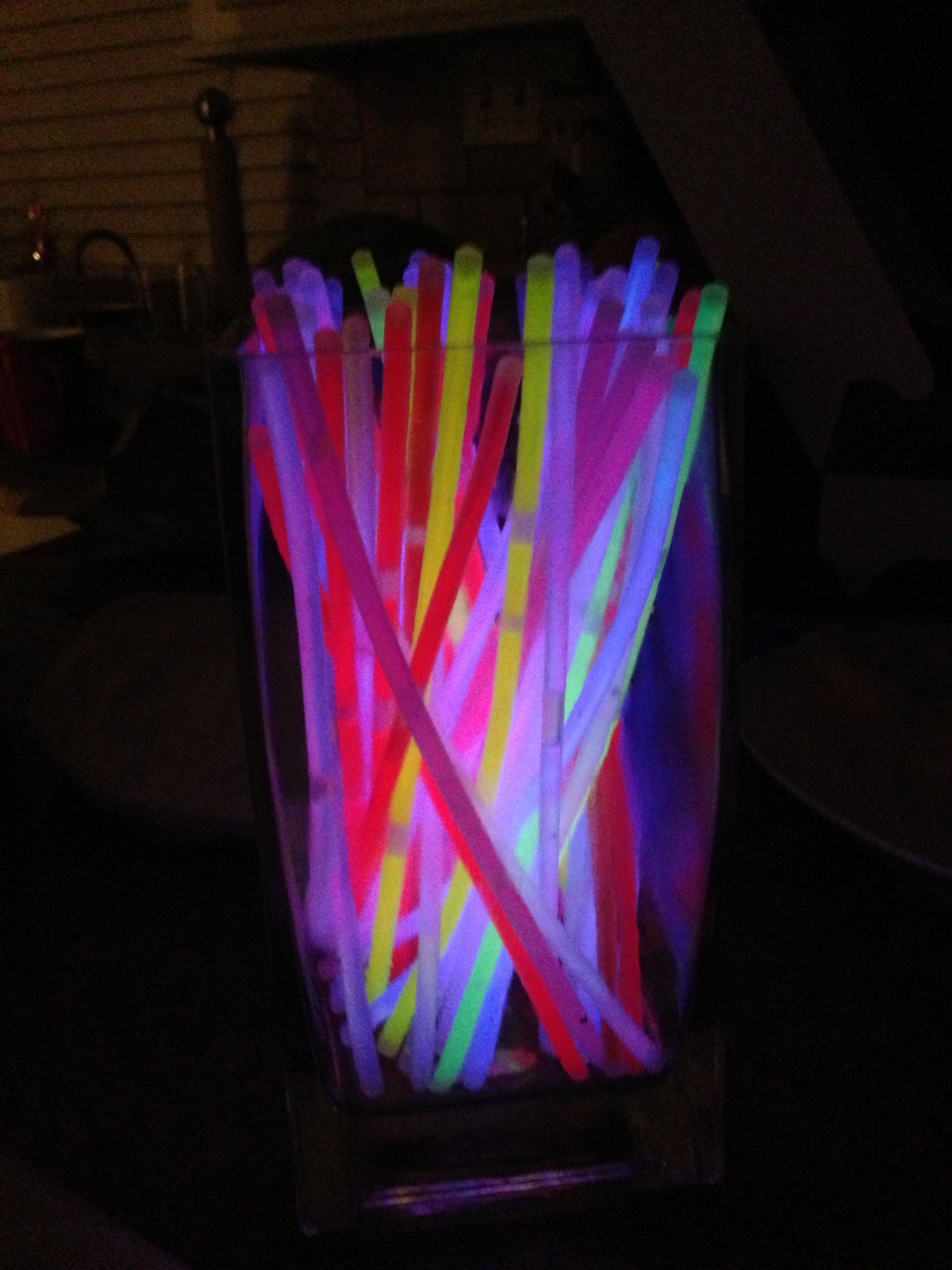 Put Glow Sticks In Vases To Create Fun And Unique Centerpieces Glow Stick Wedding Glow Sticks Glow Party