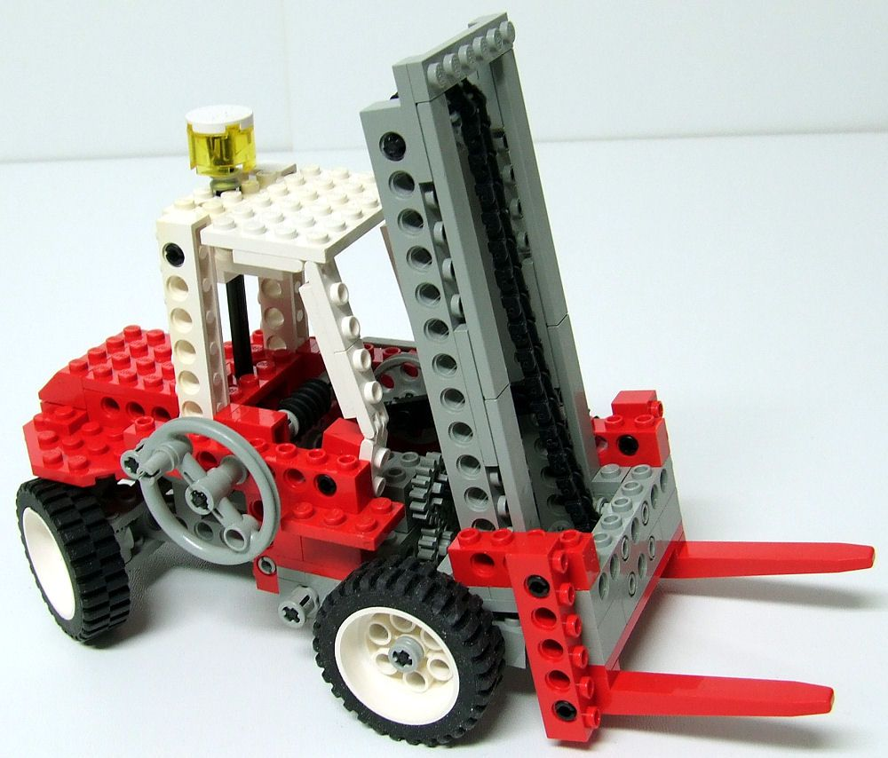 LEGO set 8835, a Technic Forklift, from 1989 Bausteine