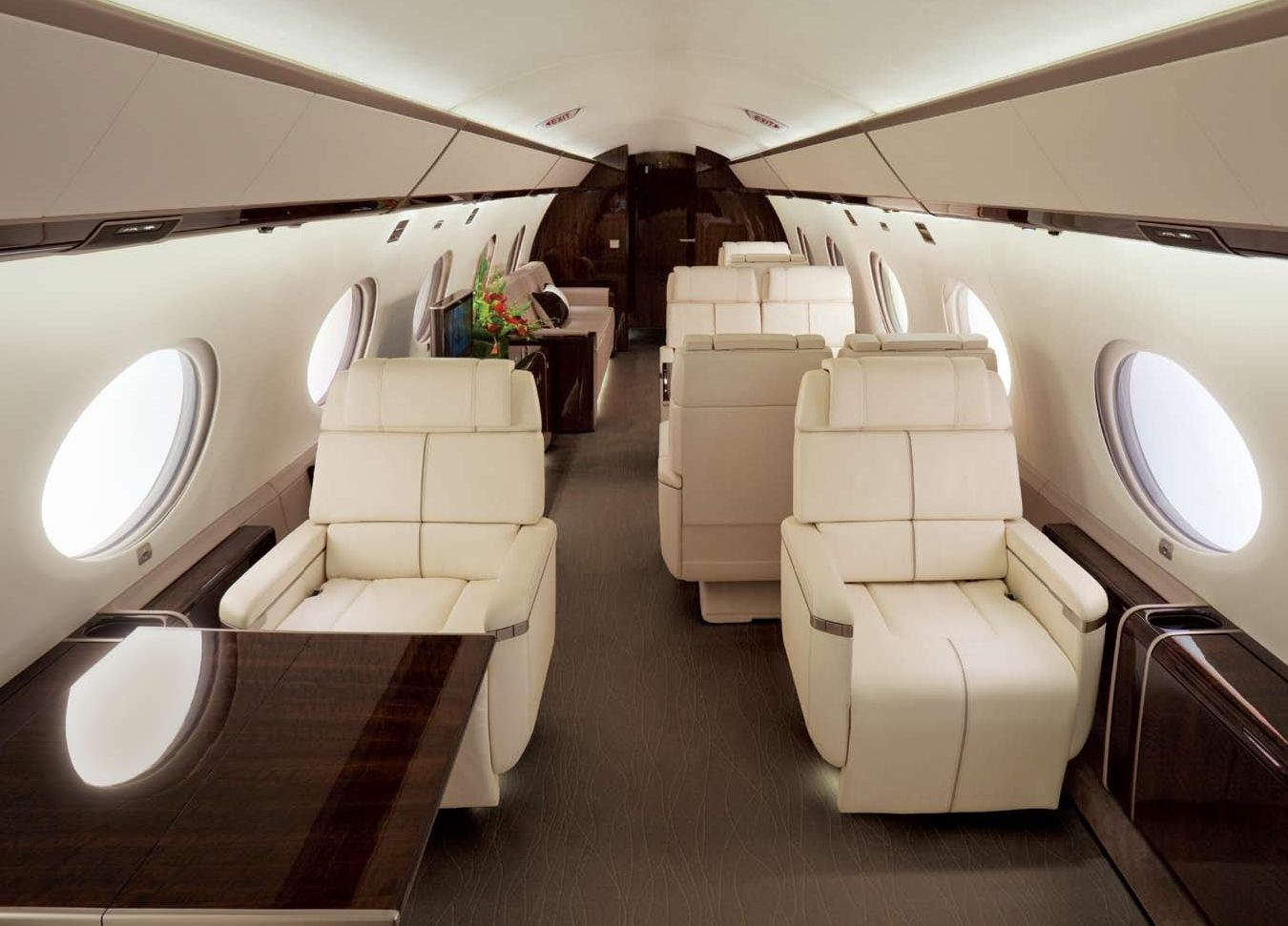 Inside the Gulfstream G650. Did you know it costs an