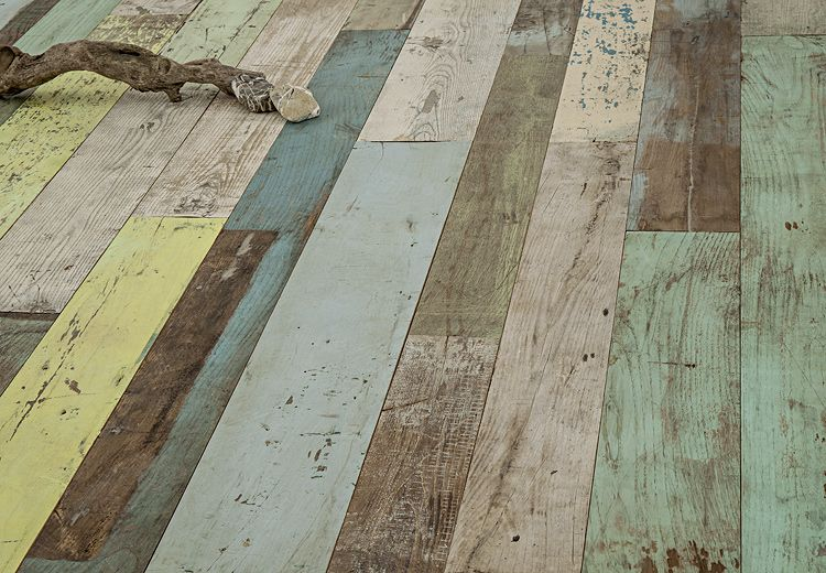 Holzboden Dielen artnr 36506 altholzboden kastanie unikat mit bunten lackspuren