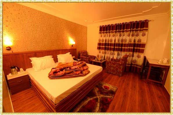 Hotel President Manali Luxury Honeymoon Room For More About Visit Indiavisitonline