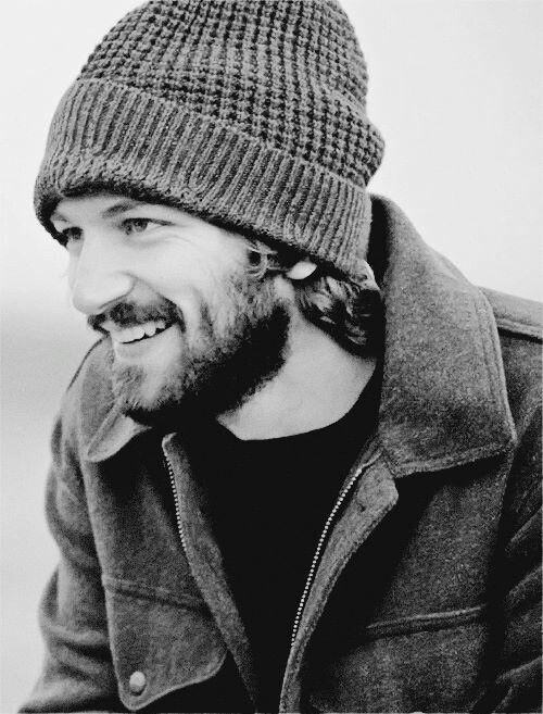 Michiel Huisman beanie coat winter beard men Style