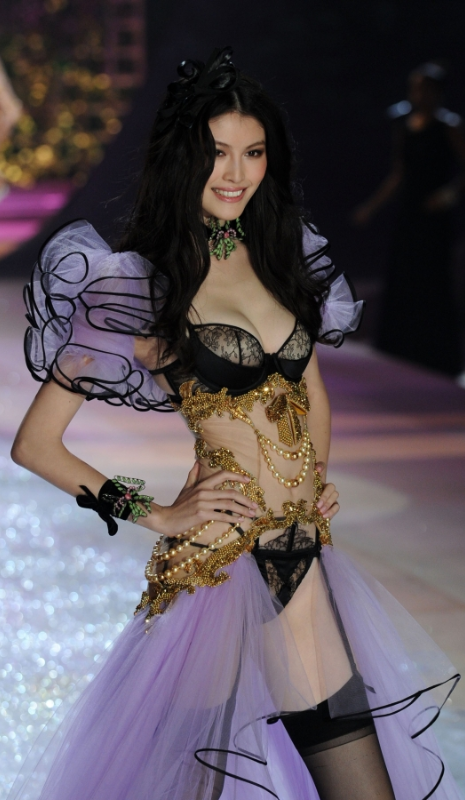 Sui He Reminds Me Of Moulin Rouge Uptown Girl Pinterest Moulin Rouge Victoria Secret