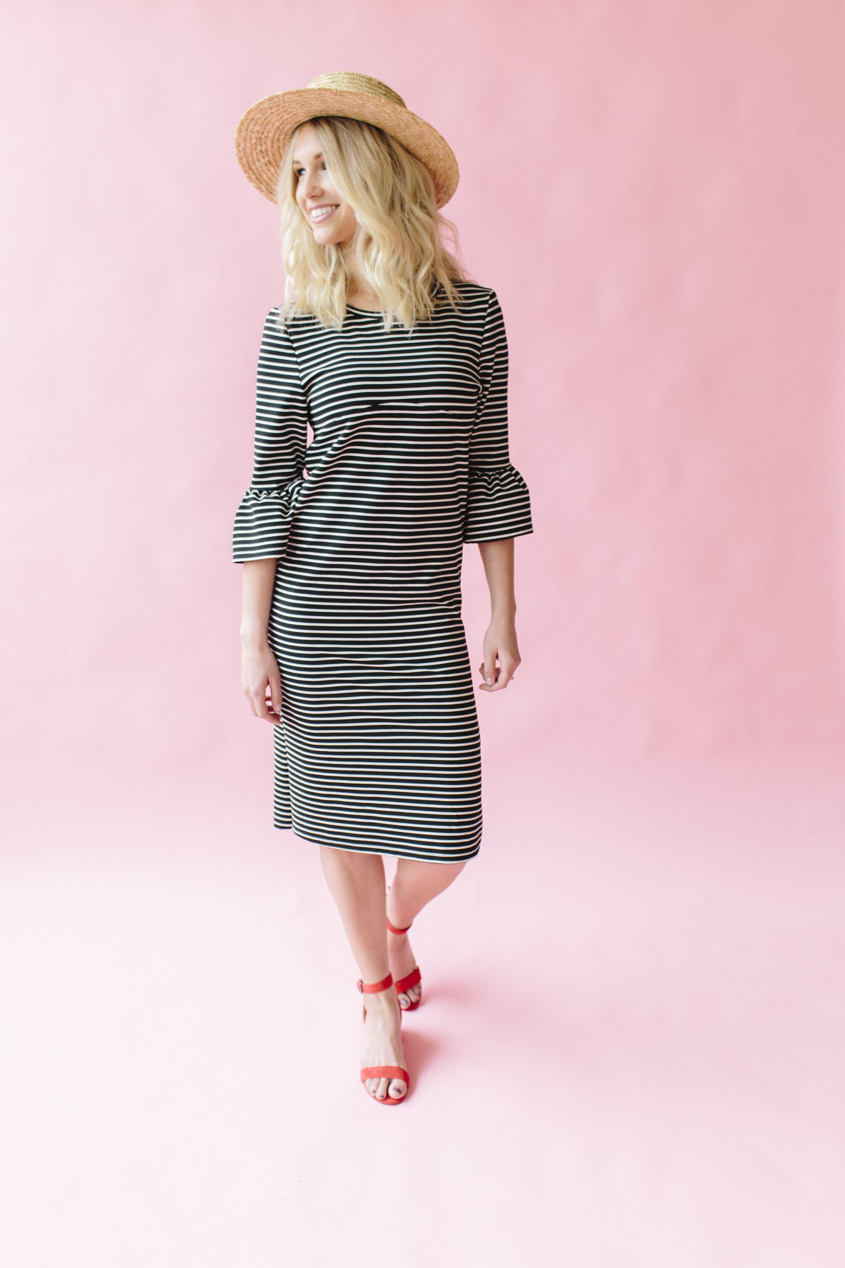 Velvet Wrap Front Dress - Champagne | Traje, Costura y Ropa
