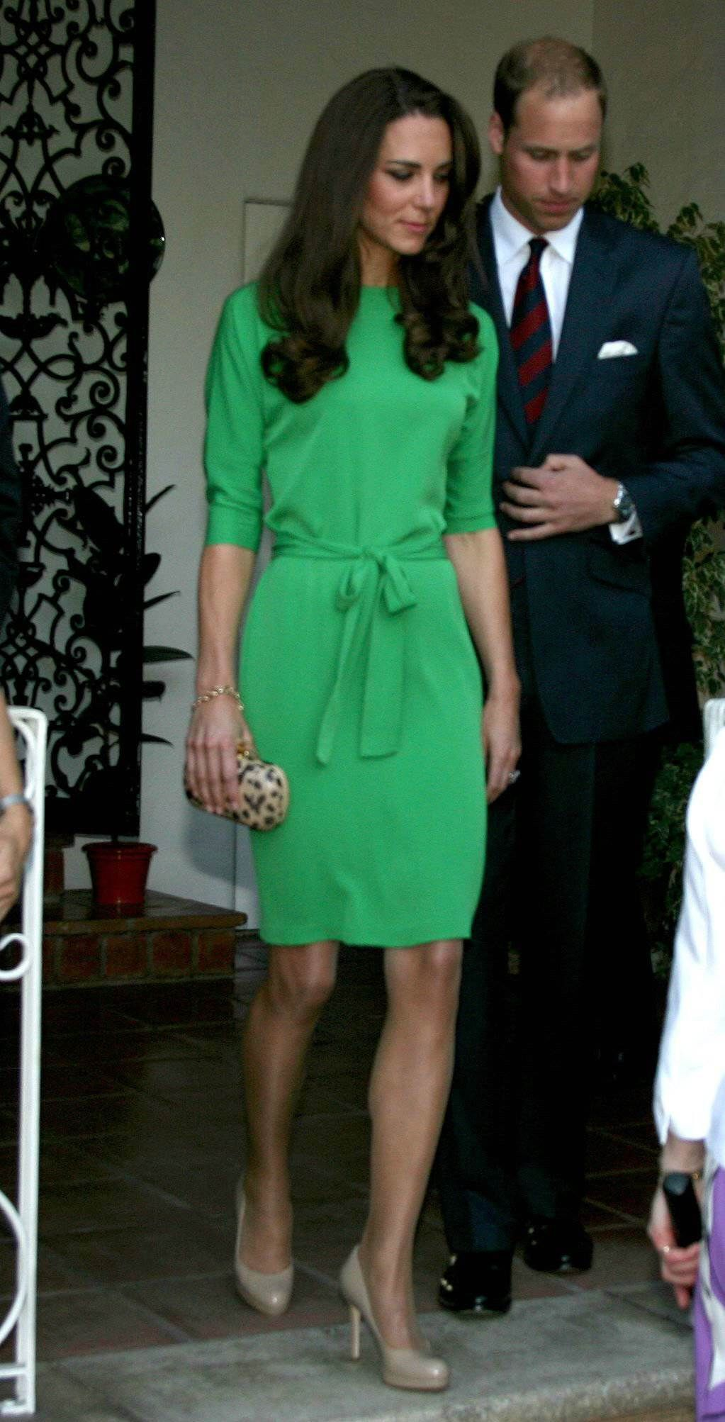 Prince William and Catherine. Pretty green dress.  1146b3ef28d0