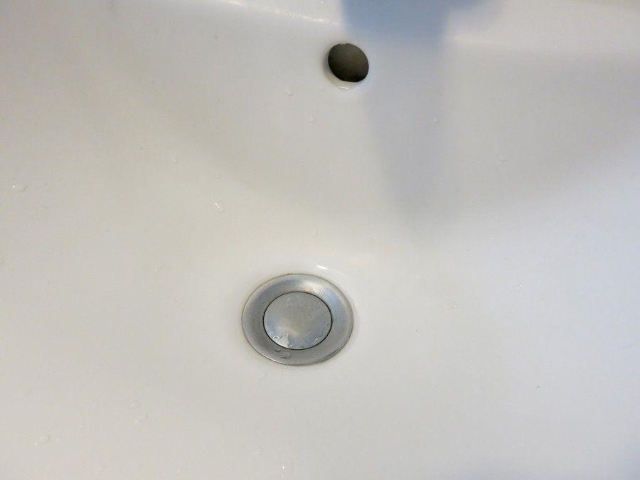 Festsitzender Waschbeckenstopsel Frag Mutti In 2020 Waschbeckenstopsel Wasche Handtuchhaken