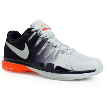 The Nike Zoom Vapor 9.5 Tour men\u0027s tennis shoe has a dynamic fit system  that wraps